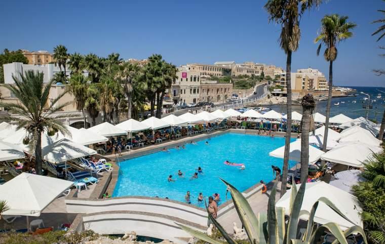 Schulresidenz Englisch + Aktivitäten inkl. Transfer Spinola Bay, Malta